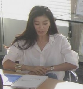 オトナ女子篠原涼子(中原亜紀)アクセサリー[ゴールドバングルと腕時計]