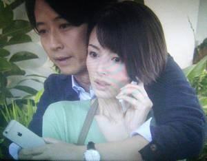 オトナ女子4話大崎もえ子(吉瀬美智子)は栗田純一(谷原章介)社長から抱きしめられる