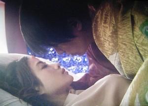 星川高嶺と桜庭潤子のベッドシーン2