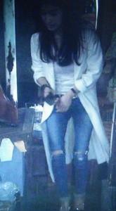 オトナ女子中原亜紀(篠原涼子)の衣装[デニムジーンズ]着用画像4