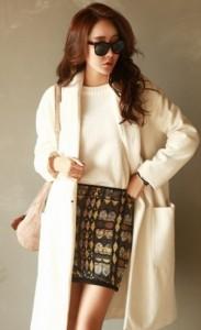 オトナ女子の7話亜紀(篠原涼子)が着用していた白色ロングコート衣装代替品3