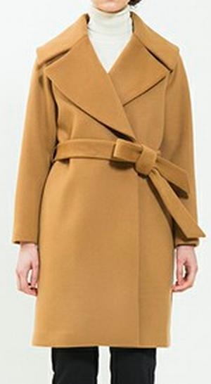 家族ノカタチ1話、上野樹里(熊谷葉菜子)キャメル・黄色コート・ジャケット衣装