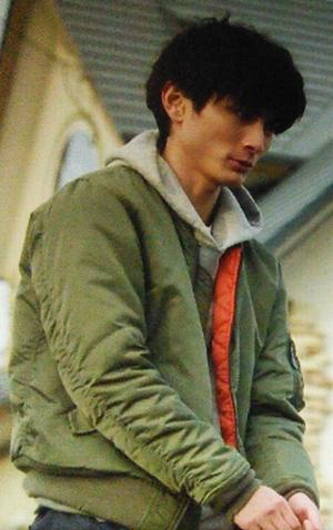 いつかこの恋を思い出してきっと泣いてしまう曽田練(高良健吾)の緑色ジャケット衣装4