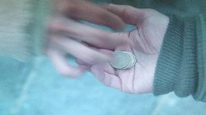 いつ恋1話ロケ地で曽田練(高良健吾)が林田音(杉原音・有村架純)に2060円を返したシーン北海道の高台道路6