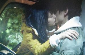 いつ恋3話ロケ地-曽田練(高良健吾)と杉原音(有村架純)がトラックでキスした東京の坂道2キスシーン