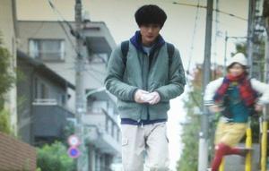 いつ恋2話ロケ地で曽田練(高良健吾)が市村小夏(森川葵)をおんぶした東京の坂道シーン1