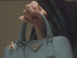 いつかこの恋を思い出してきっと泣いてしまう6話、杉原音(有村架純)衣装の20万円バッグ(カバン)着用シーン3