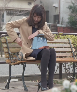 いつかこの恋を思い出してきっと泣いてしまう6話、杉原音(有村架純)衣装のバッグ(カバン)着用シーン5