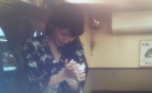家族ノカタチ7話永里恵(水野美紀)が陽三からもらった婚姻届けを破り捨てるシーン