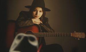 月9ラヴソングキャスト亡くなった宍戸春乃(ししどはるの・新山詩織)は神代広平(福山雅治)の元バンドの元メンバー1