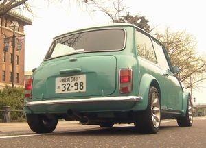 ドラマ世界一難しい恋(セカムズ)第4話青色・水色・スカイブルーのおしゃれな小型車ローバーミニのミニクーパー2