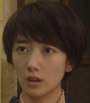 世界一難しい恋・モデル・女優の波瑠(はる)のショートヘアの髪型画像1