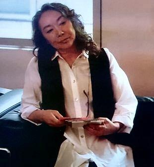 月9ラヴソンググリスターミュージック社長桑名喜和子(くわなきわこ)出演登場シーン1