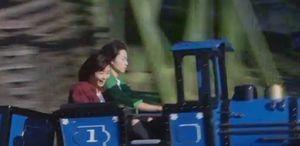 ドラマラヴソング第9話佐野さくら(藤原さくら)は、天野空一(菅田将暉)と遊園地にてデートをするジェットコースター