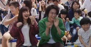 ドラマラヴソング第9話佐野さくら(藤原さくら)は、天野空一(菅田将暉)と遊園地にてデートをする