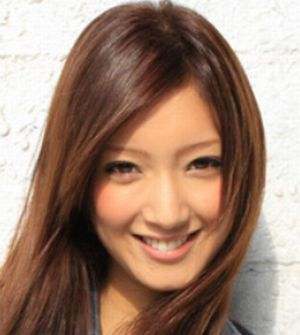 月9ドラマ好きな人がいることキャスト千秋と会い結婚式場へ入った女性で大学の元カノ女性高月楓(たかつきかえで)役は菜々緒(ななお)
