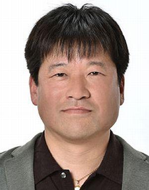神の舌を持つ男キャスト-宮沢寛治(みやざわかんじ佐藤二朗)