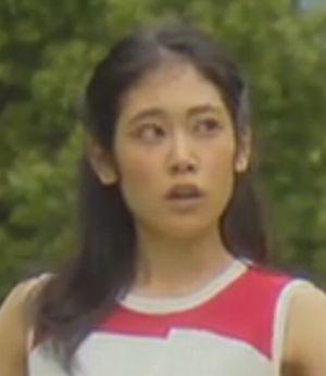 主人公櫻井美咲の職場後輩-月9ドラマ好きな人がいること石川若菜(いしかわわかな)役阿部純子(あべじゅんこ)