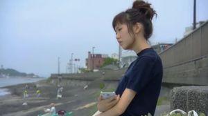 月9ドラマ好きな人がいること-ショックを受けた櫻井美咲(桐谷美玲)は、海を見ながら考え事