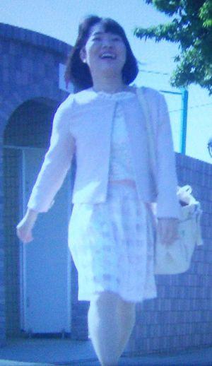 家売るオンナイモトアヤコ(白洲美加)の第2話衣装2