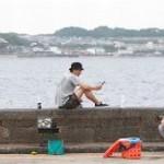 好きな人がいること4話柴崎千秋と柴崎夏向と柴崎冬真の3人は語り合いながら海釣りを楽しみました。