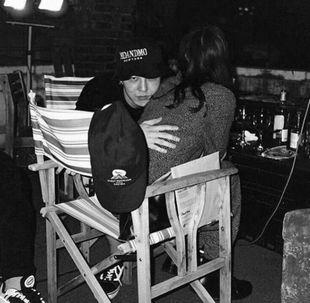 小松菜奈とG-DRAGONの抱き合っている画像(ツイッターより流出)