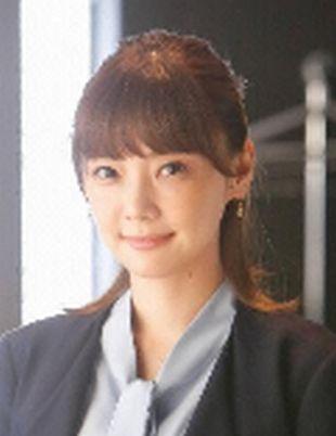 月9ドラマ「カインとアベル」矢作梓(やはぎあずさ)役者:倉科カナ:最近移動してきた社員であり、ヒロイン?