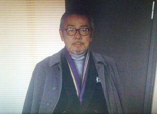 11/7の月9ドラマカインとアベル第4話会長平幹二朗の代役寺尾聰の登場シーン1
