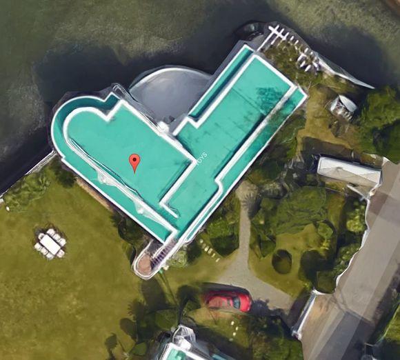 高田家(優・隆一・貴行の家・豪邸)のロケ地の場所の航空写真・真上から見た写真。プール付きで広い!