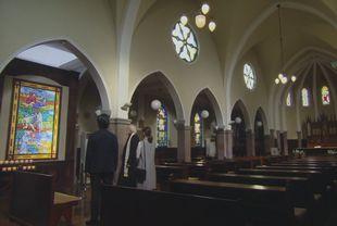 兄高田隆一(桐谷健太)と矢作梓(倉科カナ)が訪れた教会のロケ地シーン1