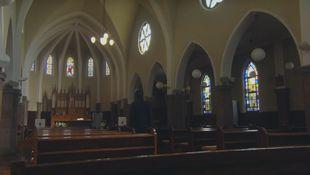 兄高田隆一(桐谷健太)と矢作梓(倉科カナ)が訪れた教会のロケ地シーン5