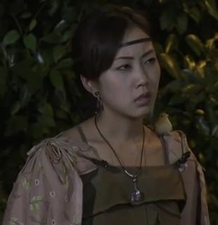 勇者ヨシヒコシリーズの木南晴夏。親の仇を探して勇者(山田孝之)と共に旅をする。