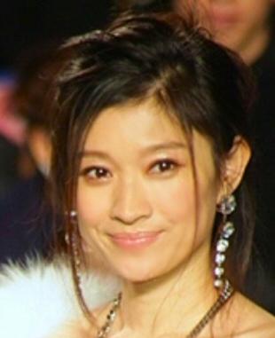 2015年頃と思われる篠原涼子さんの画像。当時も唇がプルプルつやつや