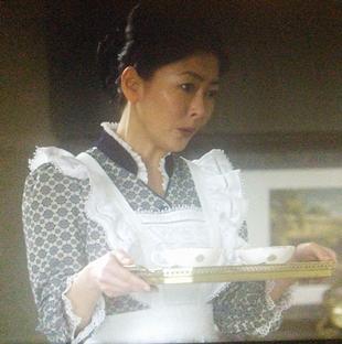 劣化がひどいキツイと不評な、田中・中山美穂さんのメイド服画像-ドラマ貴族探偵キャスト3