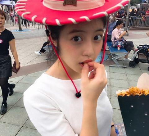 胸のカップ・バストサイズの参考になりそうな、今田美桜(いまだみお)の私服画像1