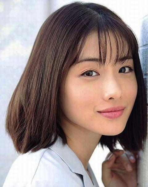 ドラマ「アンナチュラル」石原さとみの髪型画像・写真5