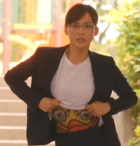 2018年7月期ドラマ「義母と娘のブルース」綾瀬はるか(あやせはるか)が主演の岩木亜希子役の第1話腹踊り(腹おどり・はらおどり)2