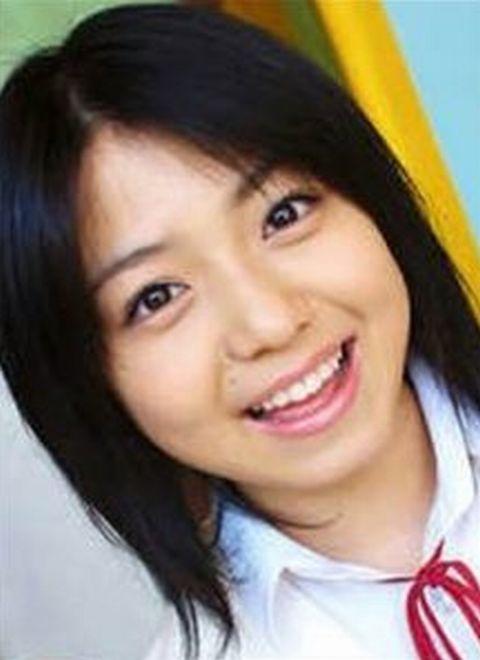 中村静香の中学生か高校生時代の卒アル写真画像